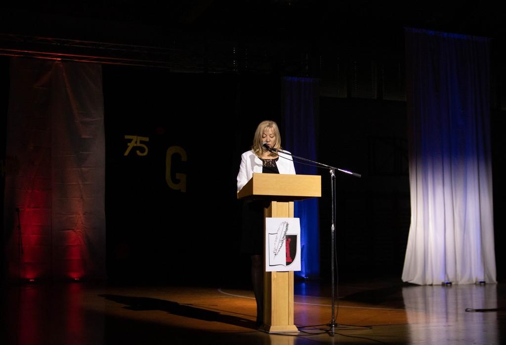 Nagovor ravnateljice Srednje šole Črnomelj Elizabete Prus, prof. Foto: Maj Perko, 4. bG