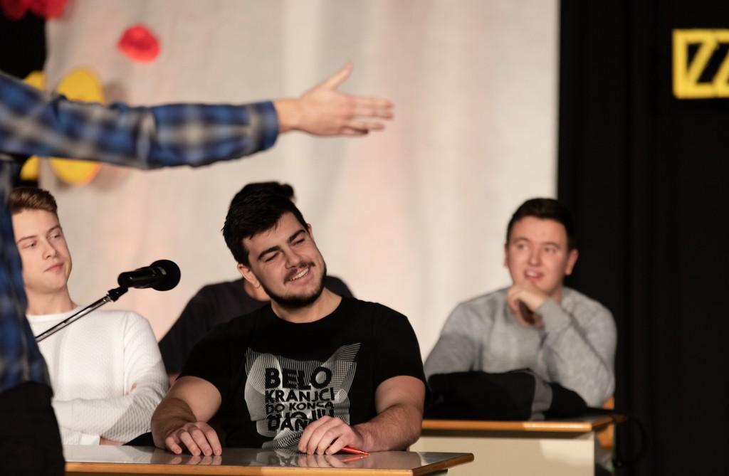 Aljaž Mihelčič, 4. aG, Andraž Šterk, 4. ST, in Žan Majcen, 4. ST, ter Gregor Cindrič, univ. dipl. inž. str. Foto: Tina Stariha, 4. bG