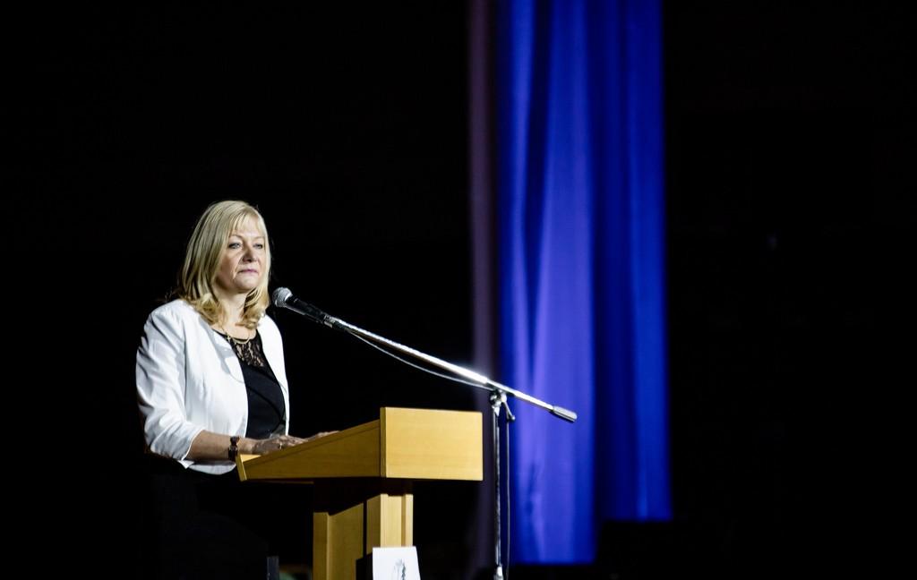 Govor ravnateljice Elizabete Prus, prof. Foto: Tina Stariha, 4. bG